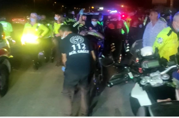Antalya'da trafik polisleri kaza yapı: 1 polis yaralı Trafik polis otosu ile motosikletli trafik polisi çarpıştı