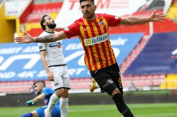 Daniel Avramovski 2 gol attı