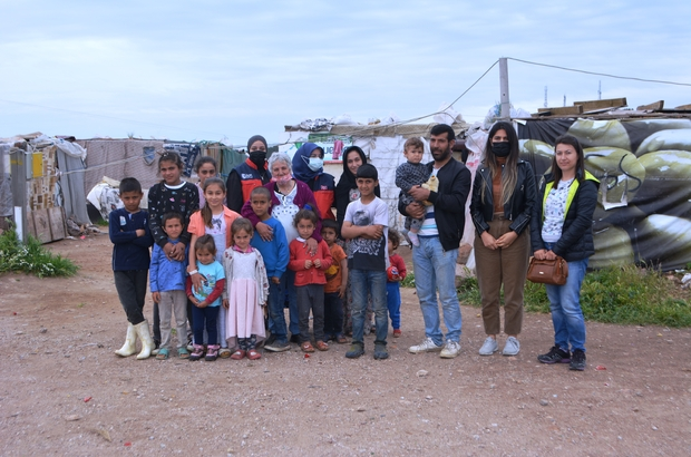 Derme çatma barakalarda yaşayanlara sevgi seli İstanbul ve Ayvalıklı yardım dernekleri yoksullar için kenetlendi