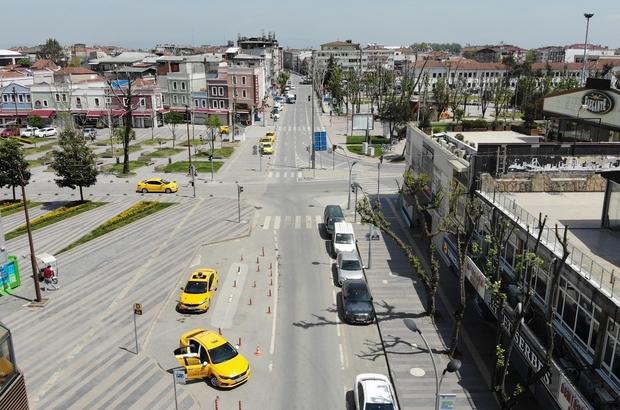 Kapanma öncesi oluşan yoğunluk yerini sessizliğe bıraktı Sakarya'da tam kapanmanın ilk gününde sokaklarda sessizlik hakim Kısmen boş kalan sokak ve caddeler havadan da görüntülendi