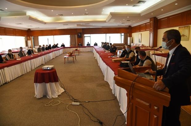 Orman yangınları ile mücadele toplantısı Orman yangınları açısından birinci derece hassas bölge olan Muğla'da 2021 yılı Orman Yangınlarıyla Mücadele Koordinasyon Kurulu toplantısı yapıldı.