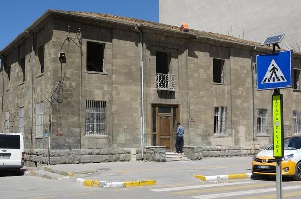 Tarihi Tekel binasının restorasyon çalışması başladı Tekel binası 'kültür evi' oluyor