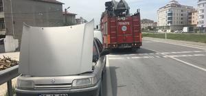 Seyir halinde yanan otomobil son anda söndürüldü