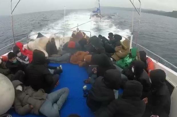 Türk karasularına geri itilen 29 düzensiz göçmen kurtarıldı