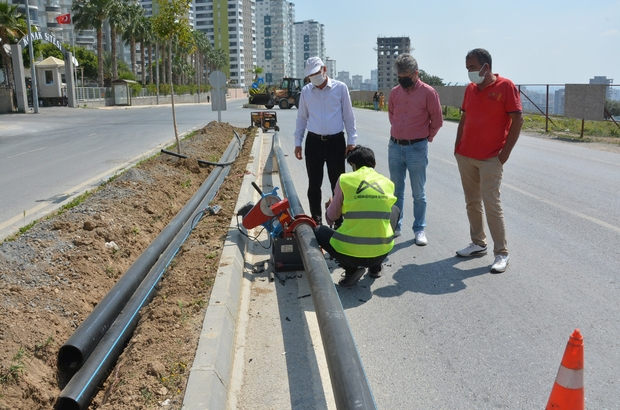 Mersin'de refüjdeki çiçek ve ağaçlar uydu bağlantılı sistemle sulanacak Otomatik sulama imkanı sağlayan sistemle yüzde 40 su tasarrufu sağlanacak