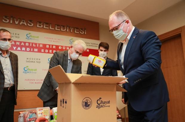 Belediyeden vatandaşa can suyu Sivas Belediye Başkanı Hilmi Bilgin, 10 Bin vatandaşa 500 TL nakit yardımda bulunacaklarını söyledi