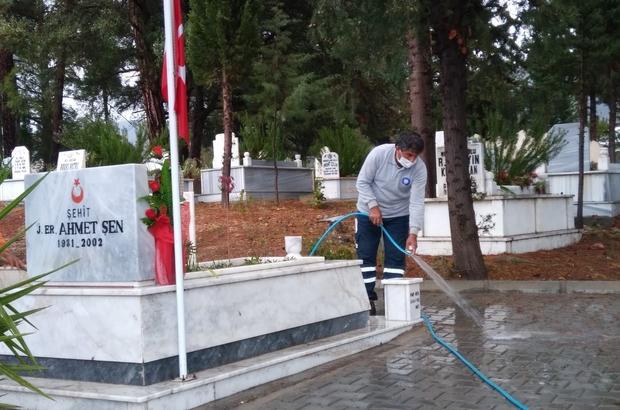 Mezarlıklara yaz temizliği