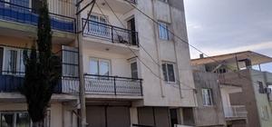 İzmir'de 2.5 yaşındaki çocuk 5. kattan kamyonetin üzerine düştü