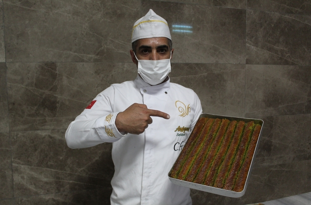 Ramazan'da bol fıstıklı Antep burmasına yoğun talep Antep burmasının kalorisi az, lezzeti farklı