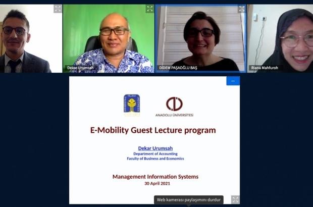 Yabancı öğretim üyeleriyle 'Uluslararası Çevrim İçi Ders Verme Hareketliliği'