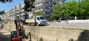 Balavca Deresi'nden 120 ton atık çıktı Milas'ın en büyük deresi Balavca deresinde yapılan temizlik çalışmalarında 120 ton atık çıkarıldı.