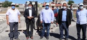 Viranşehir'de kilitli parke taşı çalışmaları devam ediyor