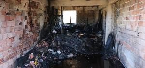 Bayram öncesi ekmek yapan ailenin evi yangında küle döndü Ekmek pişirme esnasında çıkan yangında ev kullanılamaz hale geldi