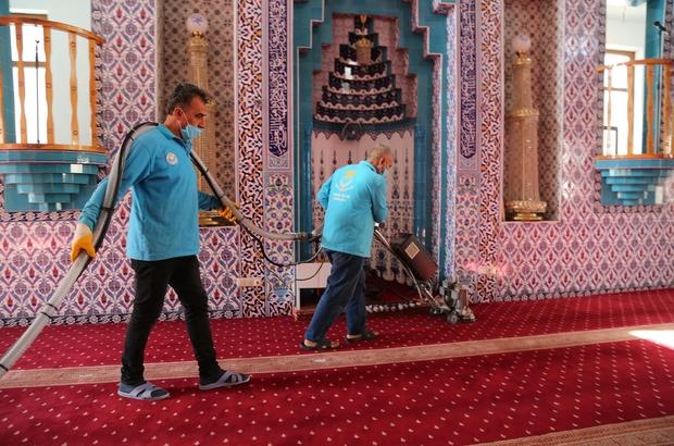 Şanlıurfa'da camiler Ramazan Bayramı'na hazır Haliliye'deki ibadethanelerde bayram temizliği yapıldı