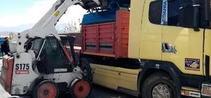 Van Büyükşehir Belediyesinden Bahçesaray ve Çatak'a sac sıvat desteği