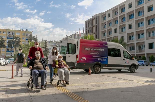 Mersin'de yaşlı çiftin bakımını belediye ekipleri üstlendi