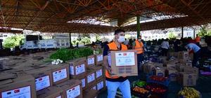 Pazarcıların elinde kalan 100 ton sebze ve meyveyi valilik satın aldı Satın alınan sebze ve meyve ihtiyaç sahiplerine dağıtıldı