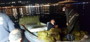 Kaçak midye avcılarına suçüstü Kaçak avlanan 150 çuval midyeyi denize döktüler