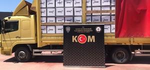 İzmir'de milyonlarca bandrolsüz boş makaron ele geçirildi Durdurulan kamyonda 6 milyon 150 bin adet boş makaron ele geçirildi