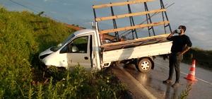2 kişinin yaralandığı kazada sürücülerin duyarsızlığına tepki gösterdi