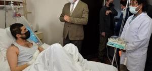 Vali Memiş, yaralı Özel Harekat Polisi Öner'i hastanede ziyaret etti