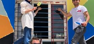 Batman'da gönüllü öğretmenler köy okullarına renk kattı