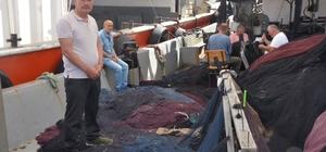 Ordulu balıkçılar sezon sonrası ağ mesaisinde Av sezonunun bitmesiyle yıpranan ağlar onarılıyor, tekneler bakımdan geçiriliyor