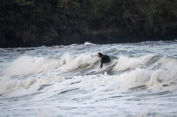 Ordu'da sörf sporu başlıyor Ordu Büyükşehir Belediyesi, deniz sporlarının gelişmesi amacıyla kano, yelken sporunun ardından sörf sporunu yaygınlaştırmayı amaçlıyor
