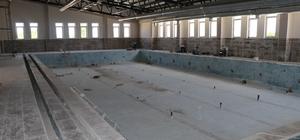 Bozova'da Yarı Olimpik Yüzme havuzu yaz aylarına hazırlanıyor