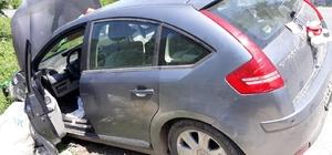 Otomobil hırsızı kaza yapınca aracı bırakıp kayıplara karıştı
