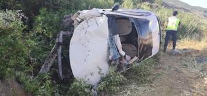 Kontrolden çıkan araç şarampole devrildi: 4 yaralı