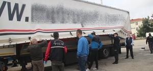Tekirdağ'da tırın dorsesinde saklanan 5 göçmen yakalandı