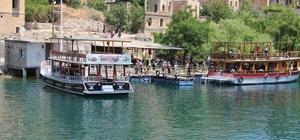 Halfeti'ye turist akını Sakin şehir Halfeti'de turizm hareketliliği başladı