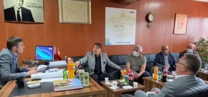 Milletvekili Aydemir ilçelerin nabzını tuttu Aydemir Hınıs, Karayazı ve Karaçoban'daydı Milletvekili Aydemir'den istişare turu