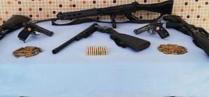 Şanlıurfa'da silah kaçakçılarına operasyon: 3 gözaltı Operasyonda 9 silah ele geçirildi