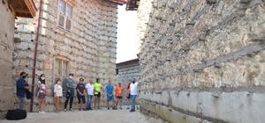 İzole tatilin adresi düğmeli evler 5 ayda 3 bin 500 misafir ağırladı Ormana'nın tarihi düğmeli evleri pandemide izole tatil arayanların uğrak yeri oldu