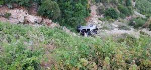 Hatay'da otomobil şarampole devrildi: 1 ölü, 4 yaralı