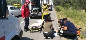 Havran'da kaza: 4 yaralı Kazada ticari aracın ön tarafını kopartan özel araç zeytinlik alana uçup yan döndü