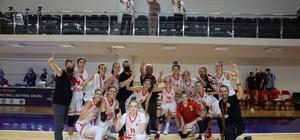 Turgutlu Belediye Kadın Basketbol galibiyetle başladı