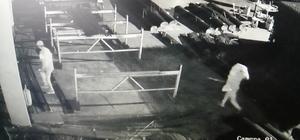 100 bin liralık malzemeleri çalıp kayıplara karıştılar: O anlar kamerada Fabrikadan hırsızlık anı güvenlik kamerasına yansıdı