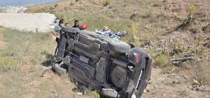 Otomobilini mıcıra kaptıran öğretmen ölümden döndü