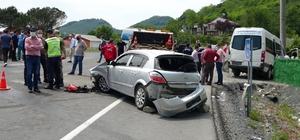 Ordu'da yolcu minibüsü ile otomobil çarpıştı: 15 yaralı
