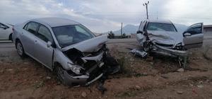 Kahramanmaraş'ta otomobiller çarpıştı: 5 yaralı