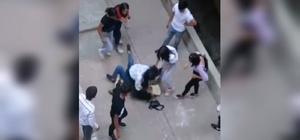 (Özel) Kızların kavgasını erkekler uzaktan izledi Kızların sokak ortasında kavgası kamerada