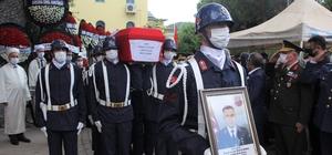 İzmir şehidini gözyaşlarıyla uğurladı Şehit Jandarma Astsubay Egemen Öztürk, son yolculuğuna uğurlandı