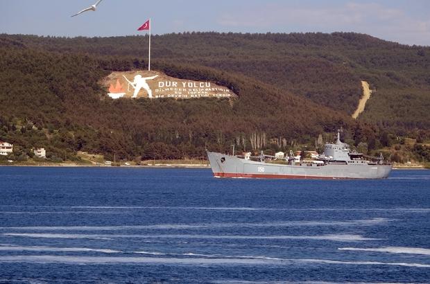 Rus savaş gemileri peş peşe Çanakkale Boğazı'ndan geçti Rus savaş gemileri Akdeniz'e iniyor