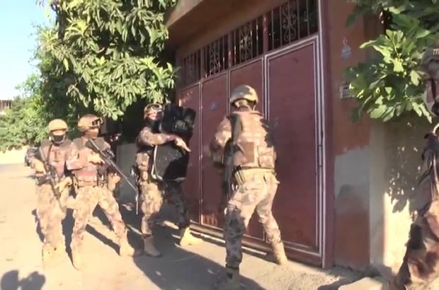 Kahramanmaraş'ta uyuşturucuya 4 tutuklama Özel harekat desteğinde evlere şok baskınlar yapıldı