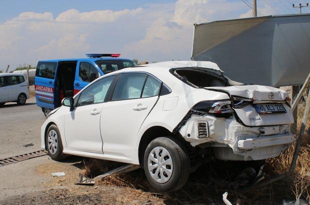 Hatay'da akaryakıt tankeri ile otomobil çarpıştı: 2 yaralı