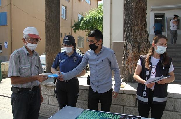 Sarıgöl ve Kula'da emniyet ekiplerinden siber suçlarla mücadele standı