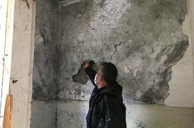 Muhtara, çürük ve yıkılmış okul binasını 'tamir et' dediler Köylüler, atıl okul binası yerine köy konağı yapmak istiyor